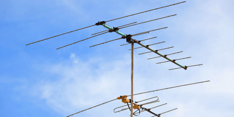 Hiboost-blog-WHICH ANTENNA IS BEST? A YAGI ANTENNA OR OMNIDIRECTIONAL?