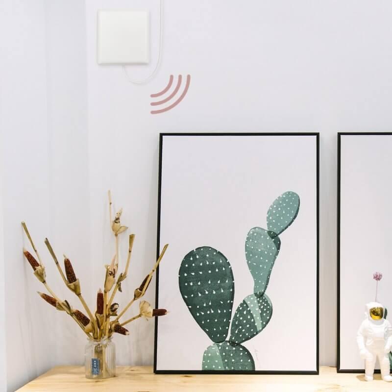 HiBoost-Dot-indoor-antenna